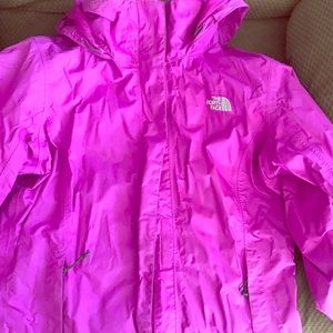 Women's Medium sized North Face raincoat